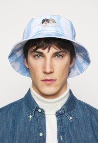 Fiorucci - TIE DYE BUCKET HAT - Hat - blue - 1