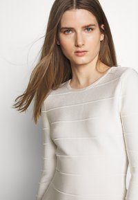 Hervé Léger - ICON LONG SLEEVE DRESS - Shift dress - alabaster - 5