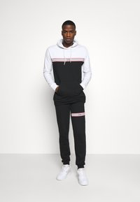274 - WINDSOR TRACKSUIT SET - Tracksuit - white - 0