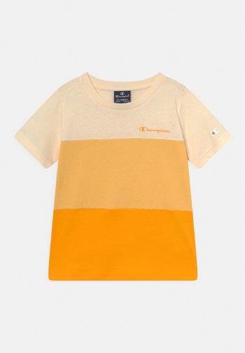 AMERICAN CLASSICS CREWNECK UNISEX - Print T-shirt - yellow