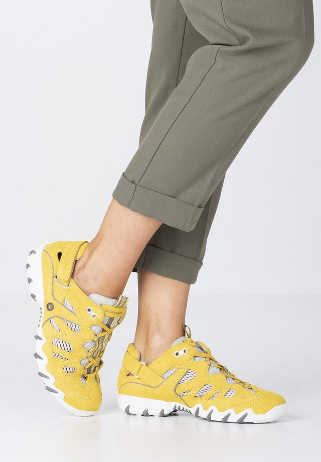 NIWA - Casual lace-ups - blazing yellow/grey