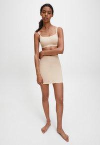 Calvin Klein - INVISIBLES - Shapewear - bare - 1