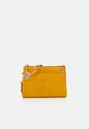 CROSSBODY BAG HORTENSIA - Across body bag - mustard