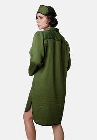 Fable & Eve - Yöpaita - military green - 1