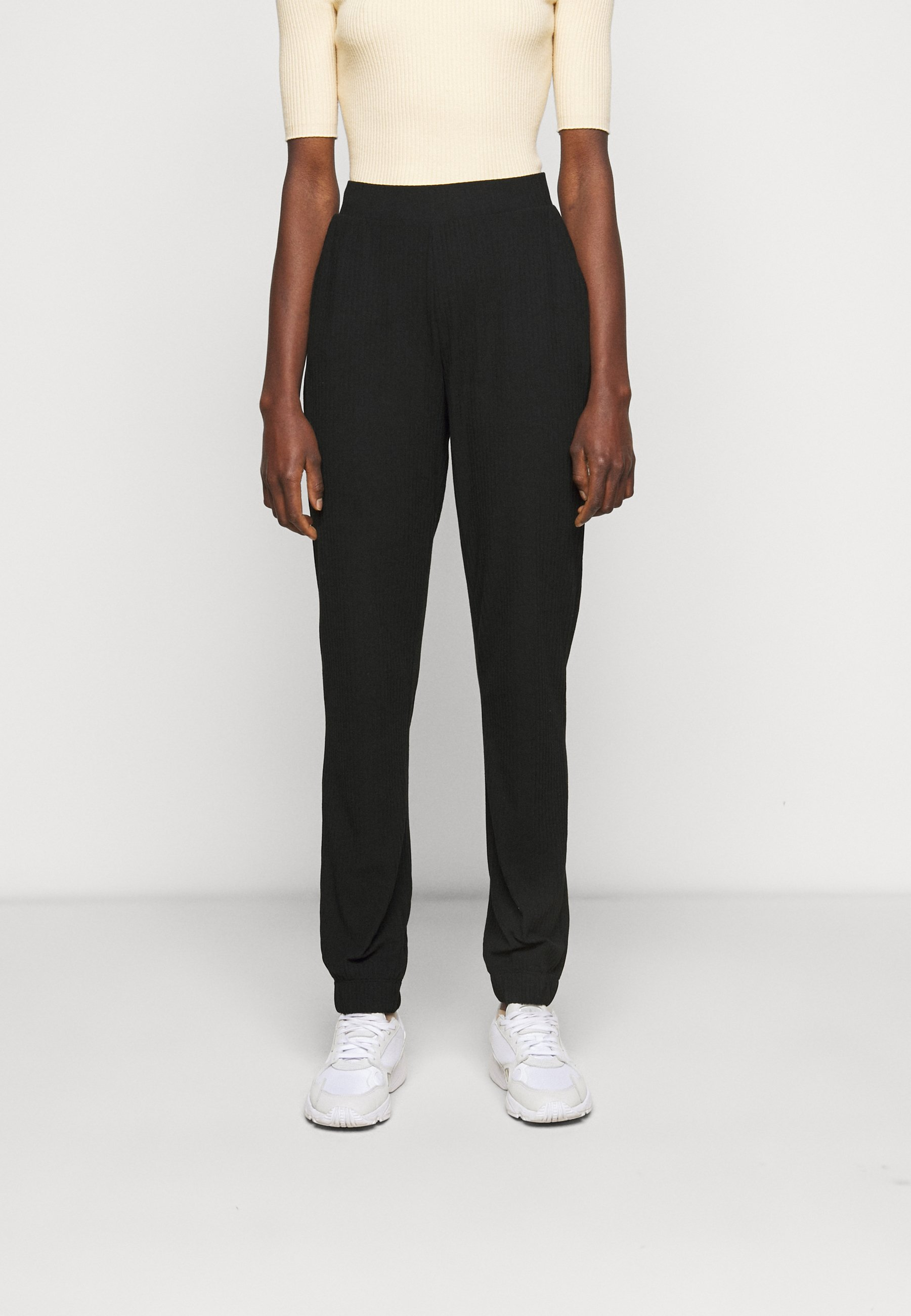 Women ONLNELLA PANTS - Tracksuit bottoms