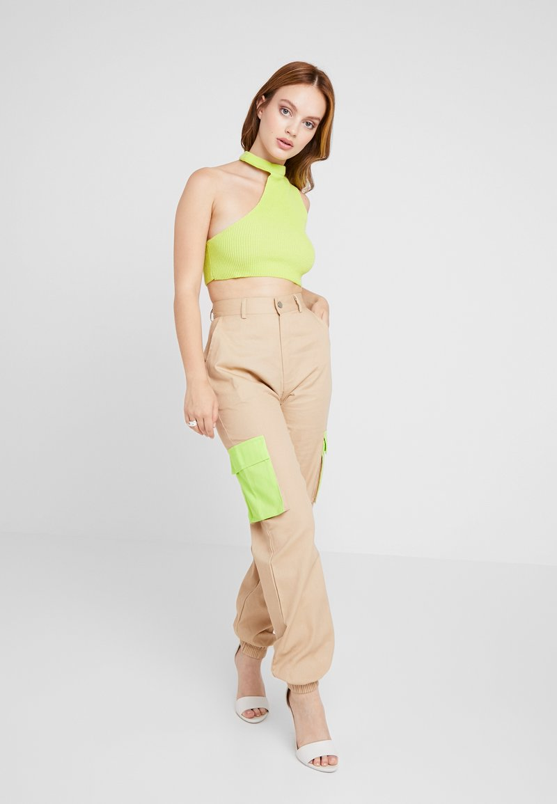 Missguided Petite - CUT OUT NECK CROP 2 PACK - Top - black/lime