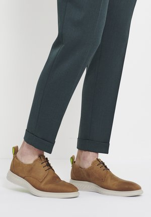 ST.1 HYBRID LITE - Casual lace-ups - camel