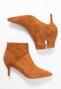 Shoe The Bear - VALENTINESTUD - Ankle boots - tan - 3