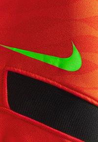 Nike Performance - DRY STRIK - Sports shirt - siren red/black/green strike - 2