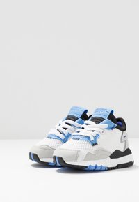 adidas Originals - NITE JOGGER - Slip-ons - footwear white/real blue - 3