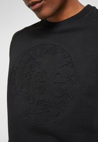 Lee - EMBOSSED CREW - Sweatshirt - black - 5