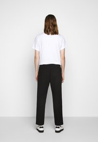 Folk - DRAWCORD ASSEMBLY PANT - Trousers - soft black - 2