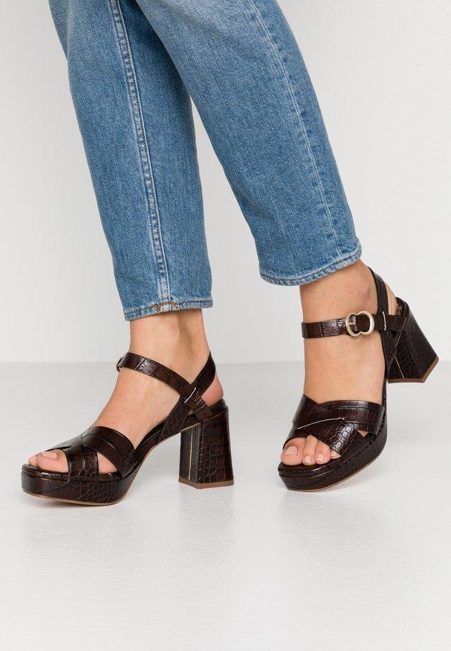 Sandaler med høye hæler - coco louisiana marron