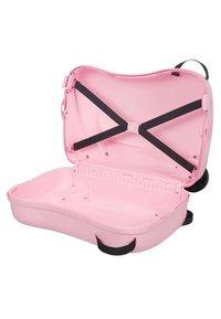 Samsonite - ZUM DRAUFSITZEN - Wheeled suitcase - pink - 3