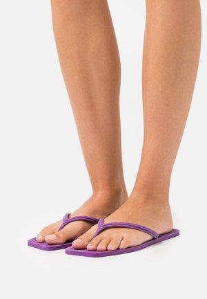 T-bar sandals - viola