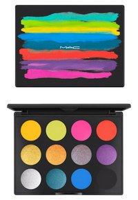 MAC - ART LIBRARY - Eyeshadow palette - it's designer - 6