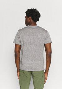 Icebreaker - FLAXEN CREWE - T-shirt imprimé - slate - 2