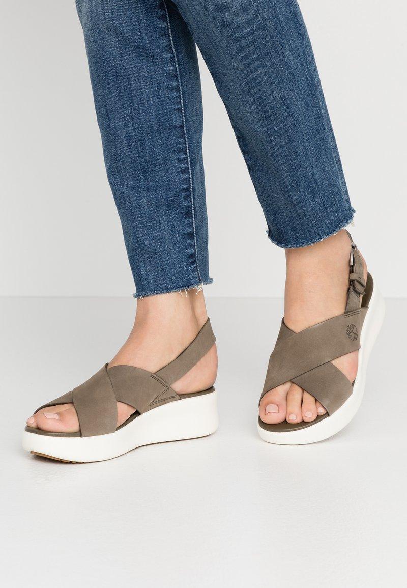 Timberland - LOS ANGELES WIND SLINGBAC - Platform sandals - olive