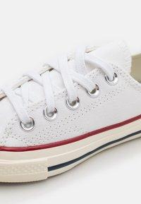 Converse - CTAS 70S UNISEX - Trainers - white - 5