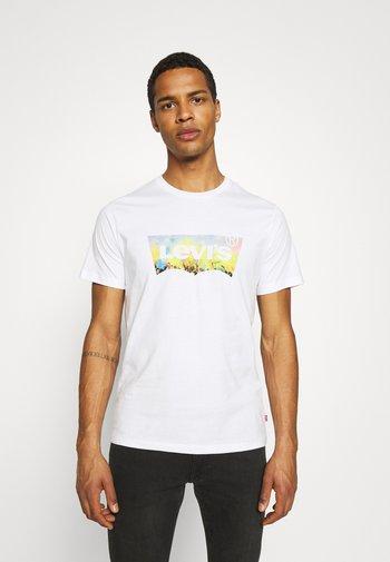HOUSEMARK GRAPHIC TEE UNISEX - T-shirt imprimé -  white