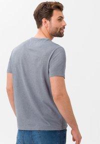 BRAX - STYLE TODD - T-shirt basique - ocean - 2