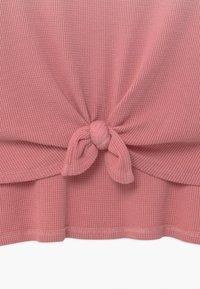 Abercrombie & Fitch - WAFFLE TIE FRONT - Triko spotiskem - pink - 2