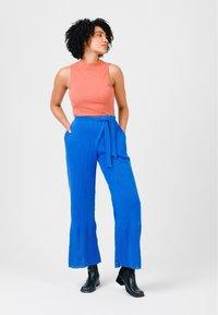 Solai - Trousers - cobalt blue - 1