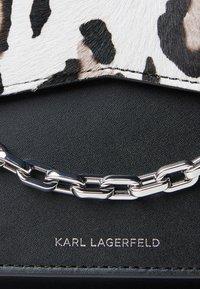 KARL LAGERFELD - Handbag - black/white - 5