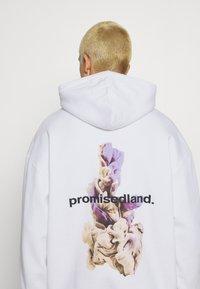 9N1M SENSE - PROMISED LAND HOODIE UNISEX - Sweatshirt - white - 4