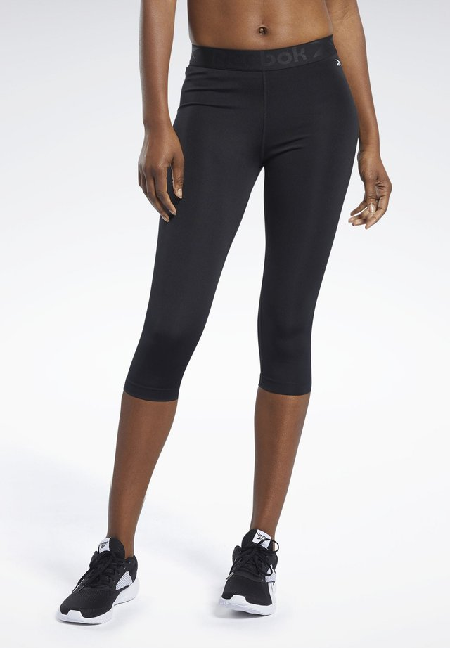 CAPRI - 3/4 sportovní kalhoty - black