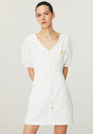 BALOON  - Day dress - white
