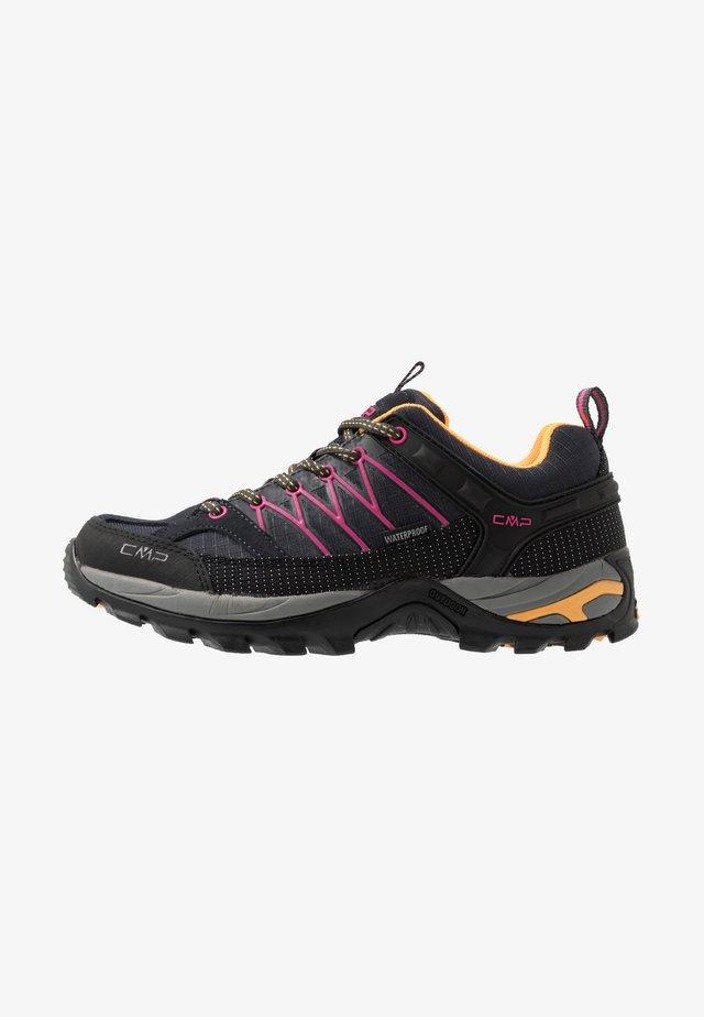 RIGEL - Chaussures de marche - antracite/bounganville