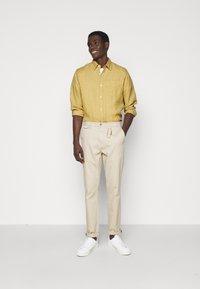 NN07 - LEVON - Camicia - sable khaki - 1