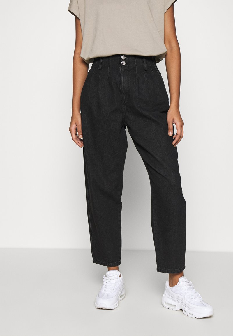 ONLY - ONLPLEAT CARROW - Trousers - black denim