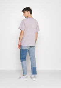 Vintage Supply - STRIPE TEE - Print T-shirt - purple - 2
