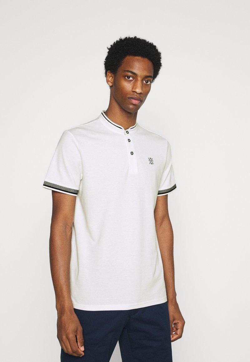 TOM TAILOR - COLLAR BAND - Basic T-shirt - off-white