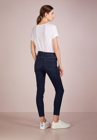 J.CREW - Jeans Skinny Fit - deep indigo - 2