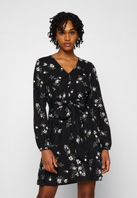 Vero Moda - VMFALLIE TIE DRESS - Skjortekjole - black - 0