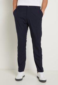 Selected Homme - SHDNEWONE MYLOLOGAN SLIM FIT - Suit - navy blazer - 4
