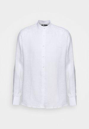 SHIRT MODERN FIT - Koszula biznesowa - white