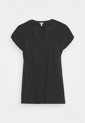 PINTUK - T-shirts med print - black