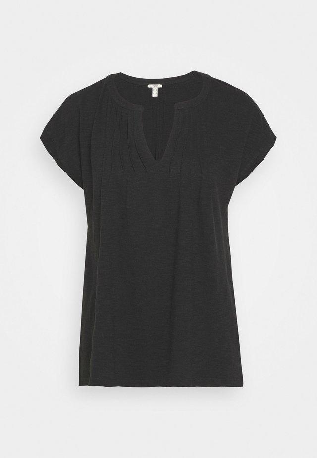 PINTUK - T-shirt con stampa - black