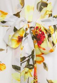 Wallis - GLORAL PLEATED DRESS - Maxi dress - ivory - 2