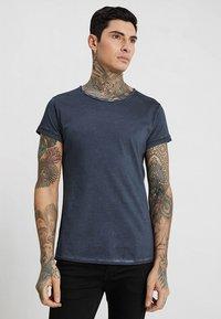 Tigha - MILO - T-shirt - bas - vintage navy blue - 0