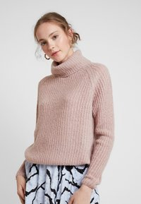 ONLY - ONLVEGA ROLLNECK  - Trui - adobe rose/melange - 0