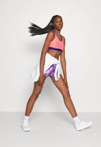 adidas Performance - PACER - Pantalón corto de deporte - signal pink/white - 1