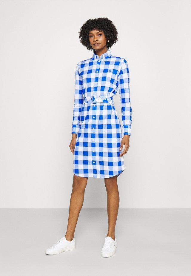 Košilové šaty - new iris/white