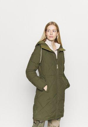 CHESCOTT - Down coat - keef