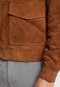 Scotch & Soda - PILOT JACKET WITH TEDDY COLLAR - Leather jacket - coffee - 5