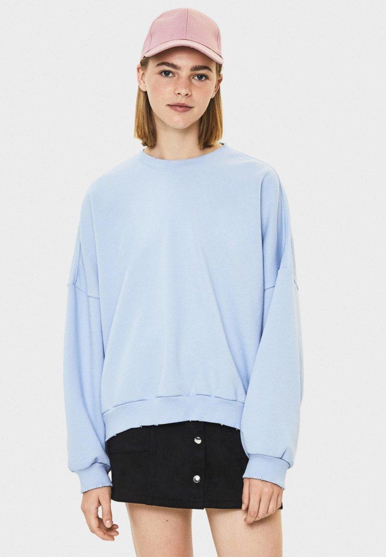 Bershka - Stickad tröja - light blue